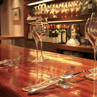 【ネット予約限定】ソムリエ厳選ワイン2種、又は1種で2杯とおつまみ感覚のオードブルがついたコース
